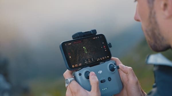 Drone DJI Mavic Air 2S - Radiocommande et Modes Intelligents